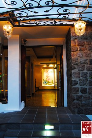 Anahi Boutique Hotel: Main Entrance to Suites
