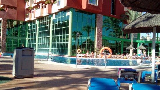 Holiday Palace: hotel pool
