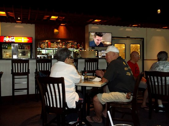Columbia, MO: Relaxing and clean place to dine within.