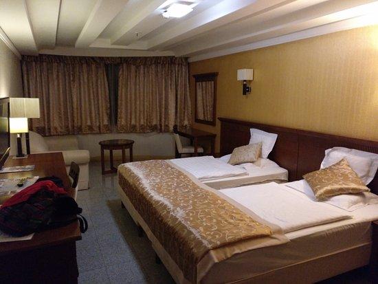 Actor Hotel: IMG_20170913_202528_809_large.jpg
