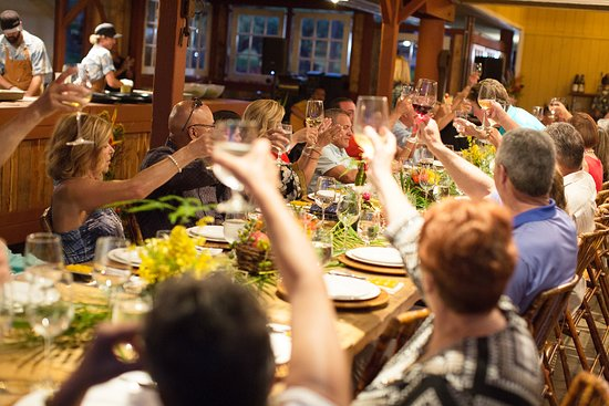 Maui Chefu0027s Table: Cheers! Maui Chefs Table Is Like One Big Dinner Party
