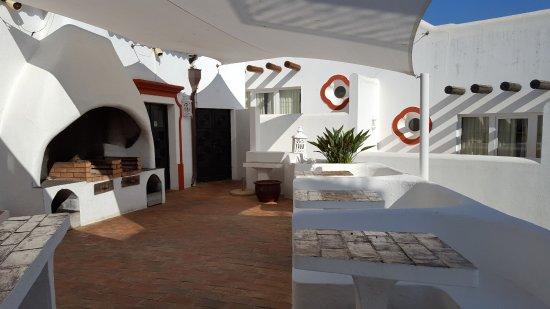 Tivoli Lagos Hotel: The BBQ Area which was closed