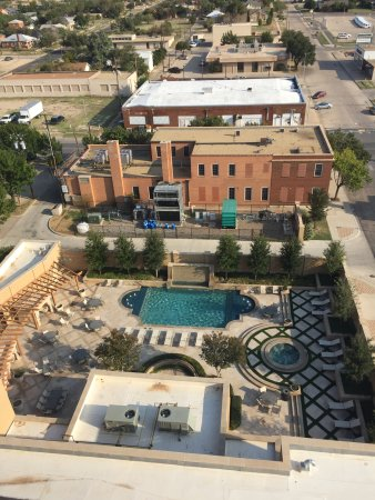 Hotel Settles : view of pool from tower room