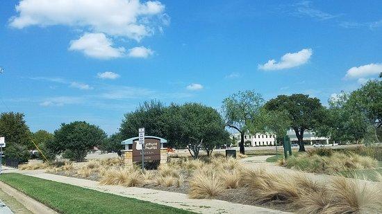 Hurst, TX: park