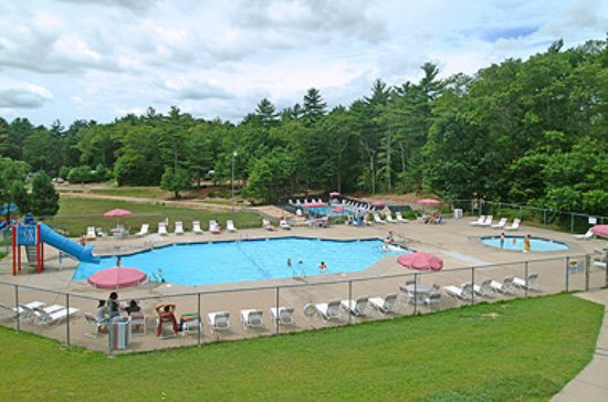 Cape Cod Campresort & Cabins : Cape Cod Campresort Pools & Jacuzzi