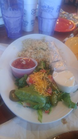 Marietta Diner : sides for my fajahi, rice, sour cream, salsa, cheese, lettuce