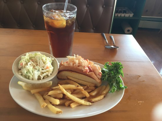 Lincolnville, ME: Lobster Roll, fries, coleslaw & iced tea