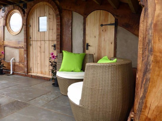Pembridge, UK: Mole Manor - Patio Area