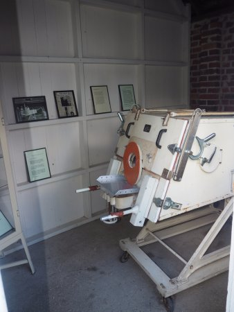 Henley-on-Thames, UK: The iron lung that saved so many loves