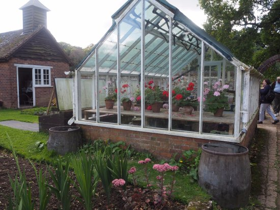 Henley-on-Thames, UK: The green house still used develop plants for the gardens