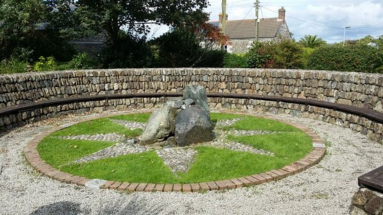 Mullion Garden: Octagon