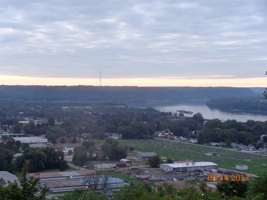 Carrollton, Кентукки: View from the park overlook