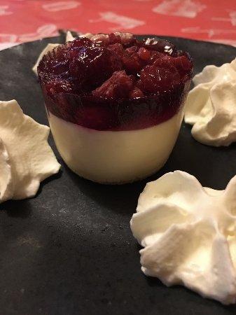 Hotel Bellevue: White chocolate dessert with raspberries