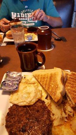 Saint Regis, MT: Breakfast stop on trip to Yellowstone