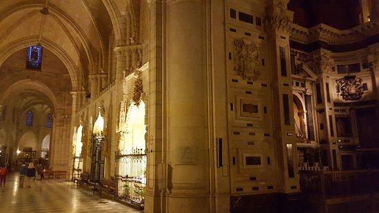 Cathedral de Santa Maria: 20170917_202050_001_large.jpg