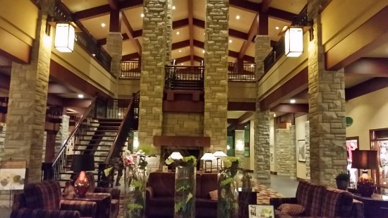 DoubleTree Fallsview Resort & Spa by Hilton - Niagara Falls: 20170921_205537_large.jpg