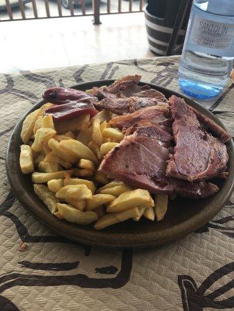 Salas, España: lacón con patatas