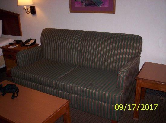 Days Inn & Suites Denver International Airport: Sitting area