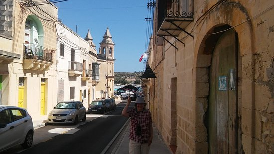 Marsaxlokk, Malta - pod parasolką