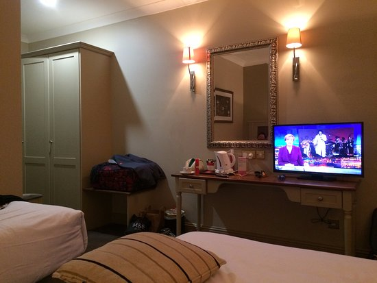 kilkenny river court hotel double and single decor nice soft sage green