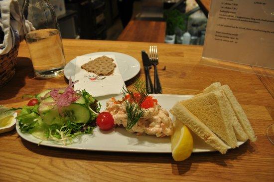 Melanders Fisk: Seafood Sandwich
