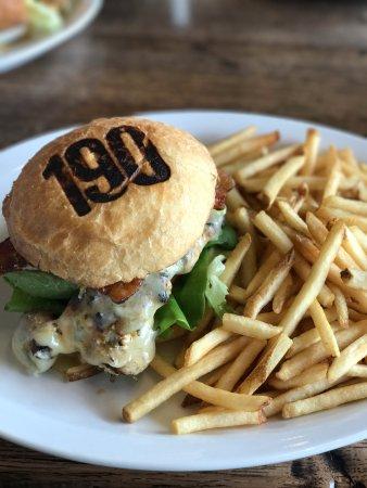 Edmonds, WA: Cali Chicken Burger