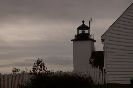 Stockton Springs, Μέιν: Lighthouse sentinel on a gray fall day
