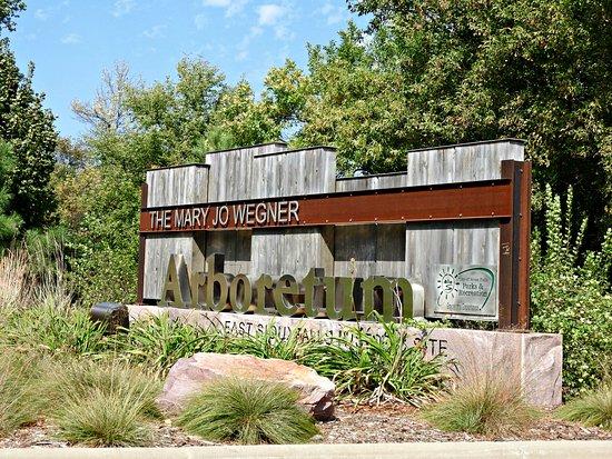 Mary Jo Wegner Arboretum Sioux Falls All You Need To