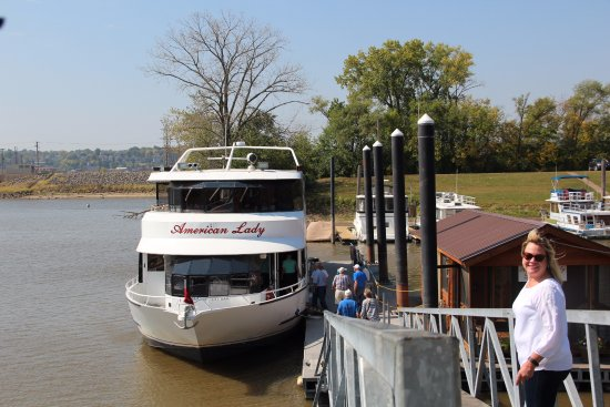 Dubuque, IA: A photo of the American Lady from the dock that shows the ramp. Great trip!