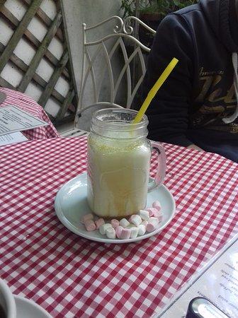 Truffles Delicatessen: fab milkshake