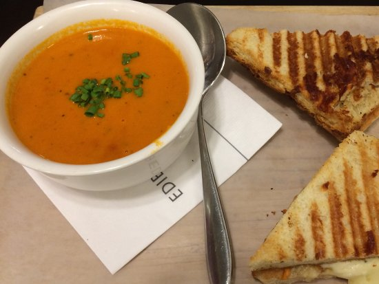 Bedford, Canada: Amazing Edible Matters cream of tomato soup and grilled cheese.