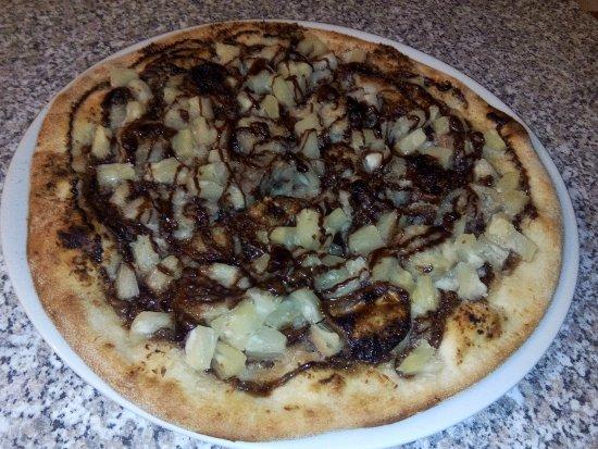 Lavelanet, France: Pizza dessert nutela , ananas