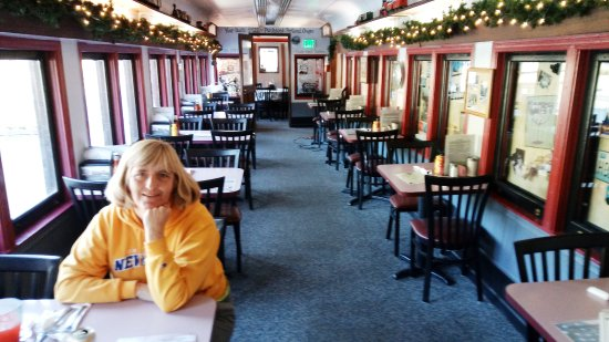 The Hobo Inn: Inside the dining card before we ordered our very expensive food