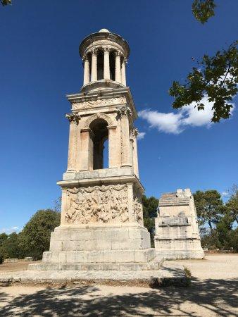 Saint-Rémy-de-Provence, France : Jules Mausoleum