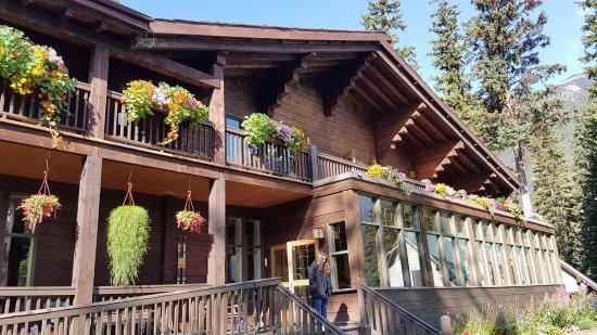 Cilantro On The Lake : Emerald Lake Lodge breakfast option