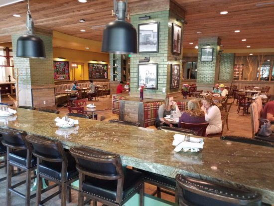 สตีเวนส์พอยต์, วิสคอนซิน: Inside dining