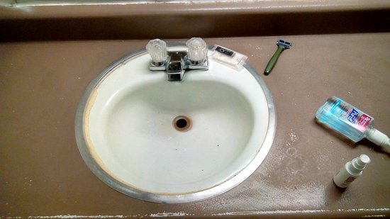 Modesto, Californien: Bathroom sink