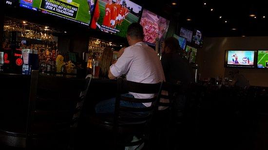 Fenton, MI: Bar