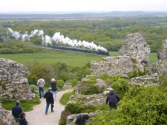 Corfe Castle, UK: photo0.jpg