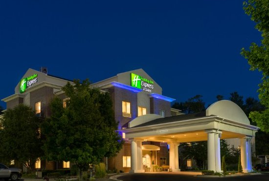 Holiday Inn Express & Suites Independence-Kansas City MO