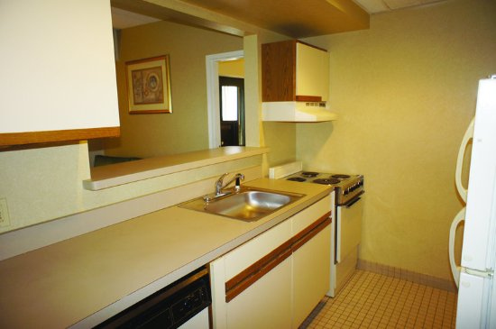 Milford, MA: Suite