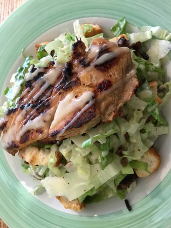 Blackheath, Australia: Chicken and bacon Caesar Salad