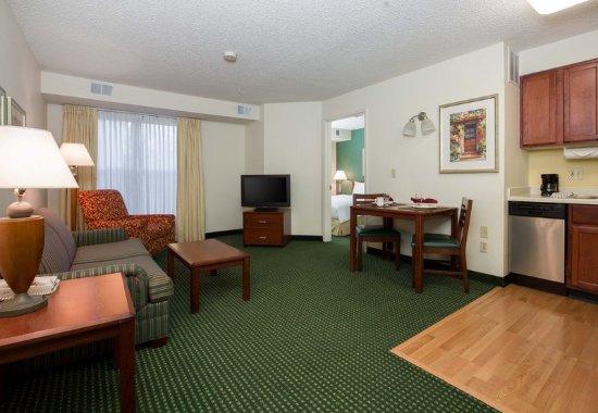 Roseville, Kalifornia: One-Bedroom Suite