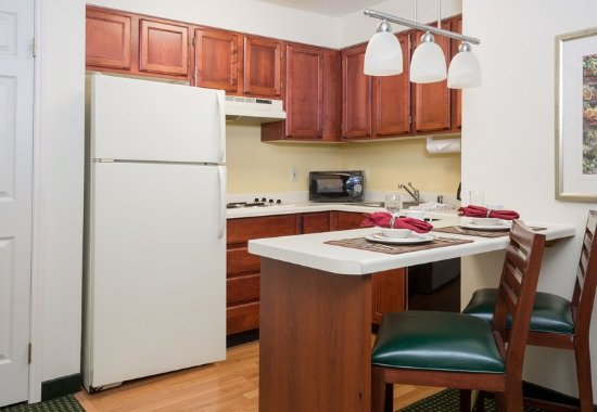 Roseville, CA: Studio King Suite - Kitchen