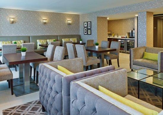 Novi, MI: Club Lounge