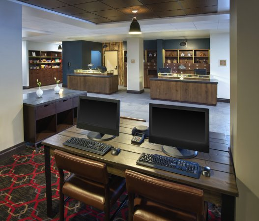 Four Points by Sheraton Charleston: Business Center