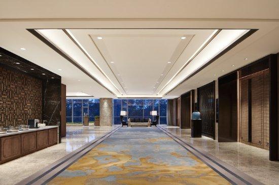Zibo, China: Banquet-Foyer