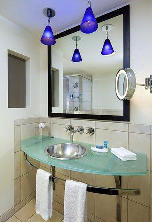 Newark, CA: Guest Bathroom