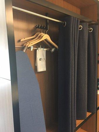 Ashburn, VA: Closet Space