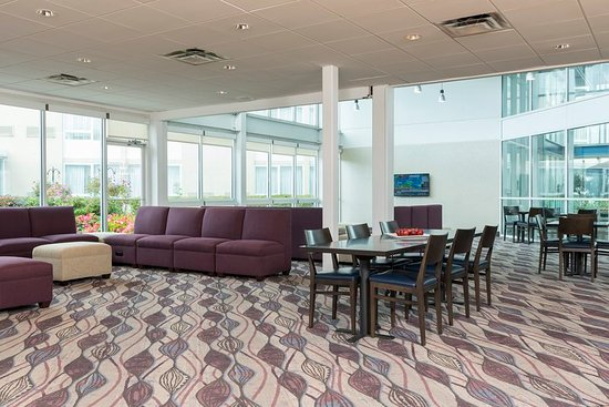 Elk Grove Village, IL: Our spacious atrium is a great place to plug in and get to work.